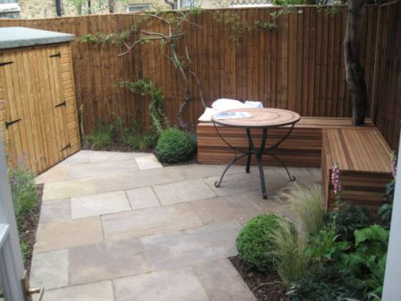 Wandsworth small garden club london for Small terraced house garden ideas